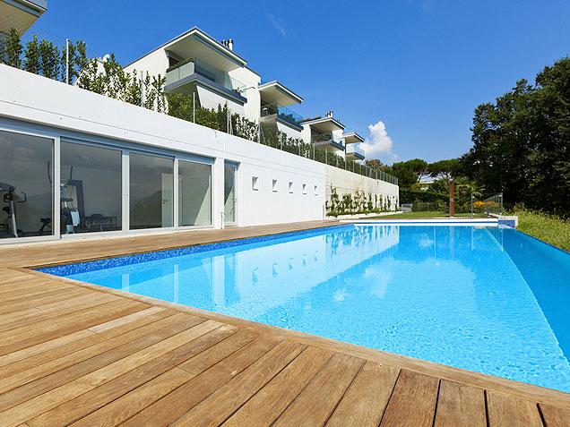 Revestimiento de piscina realizado por la empresa Cantitec de Granada