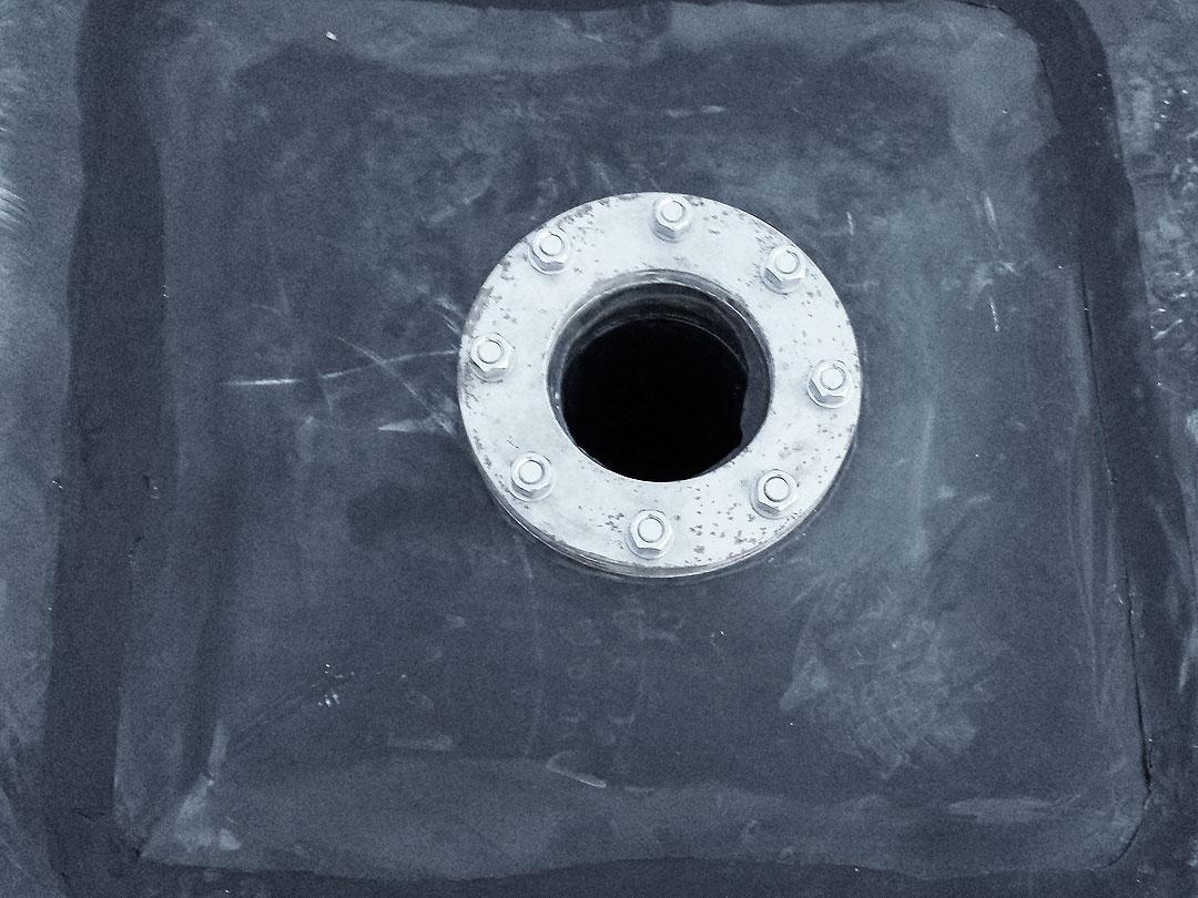 Detalle del remate de brida estanqueidad de la balsa