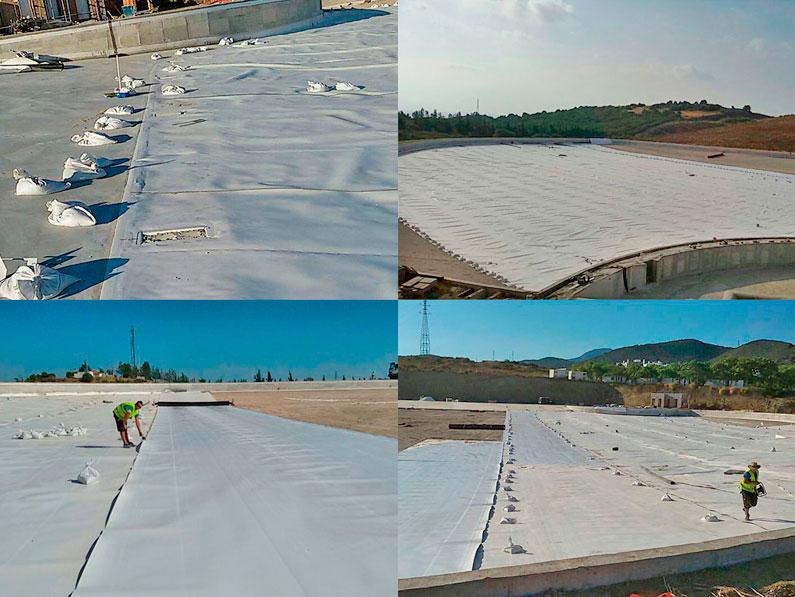 Trabajos de impermeabilización de-la-laguna-mediante-lámina-de-polietileno liner liso Crystal Lagoons realizado por la empresa de Granada Cantitec