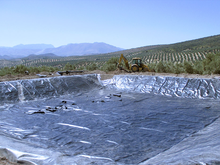 Impermeabilizacion de balsa en Cambil (Jaén)