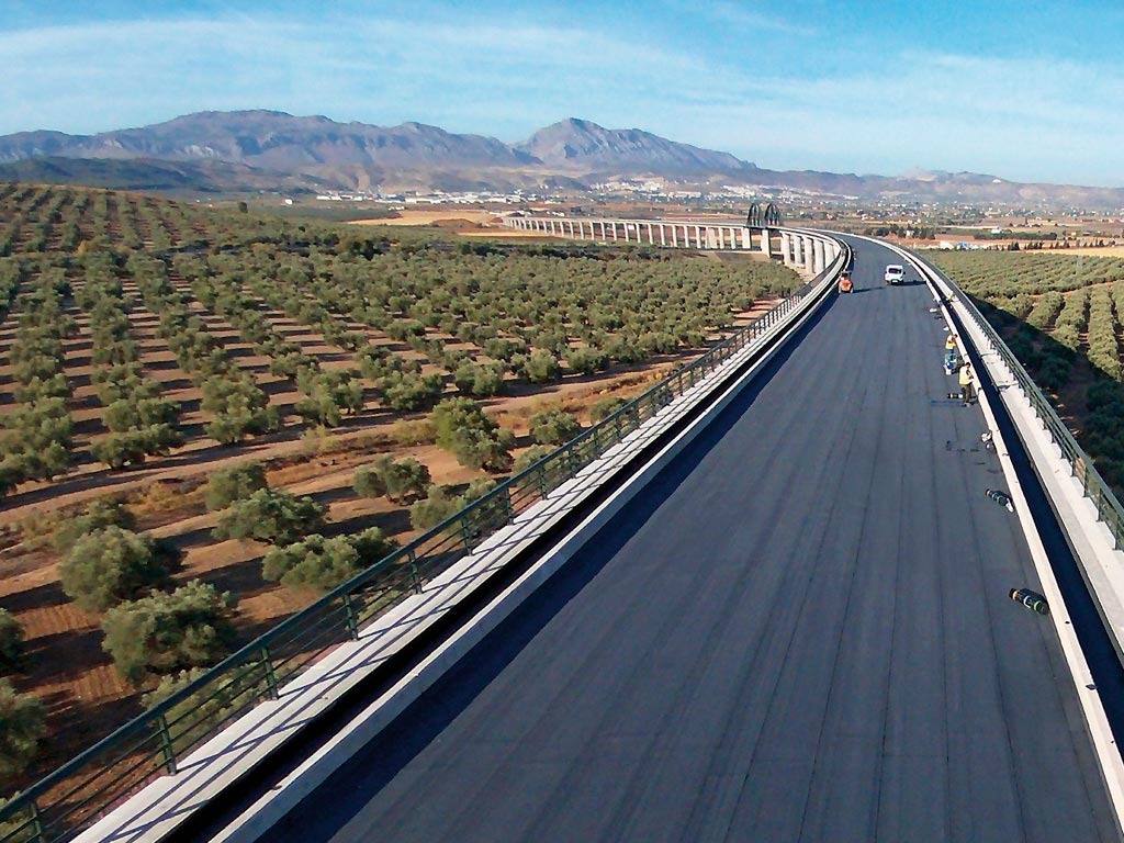 Tablero de puente impermeabilizado con lámina asfáltica especial para el tráfico rodado