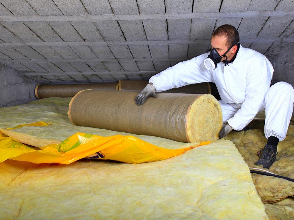 Bajo cubierta aislada con manta de lana mineral realizado por la empresa Cantitec de Granada