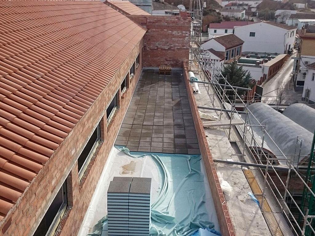 Cubierta con aislamiento de losa filtrón y lámina de PVC, realizado con la empresa Cantitec de Granada