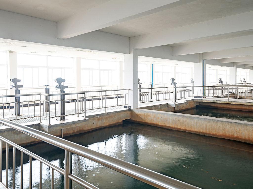 Vasos contaminantes impermeabilizado con mortero especial por la empresa Cantitec