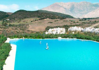 Laguna Alcazaba Hills, impermeabilización con lámina de polietileno liner liso Crystal Lagoons