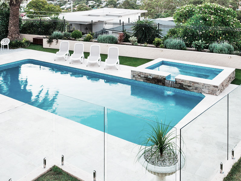 Cómo ahorrar con tu piscina