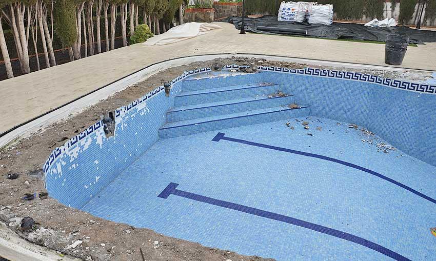 Piscina en Granada con perdida de agua Cantitec